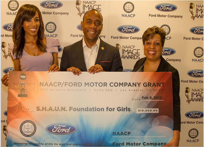 Ford Donates $10,000 to Shaun Robinson's S.H.A.U.N. Foundation for Girls
