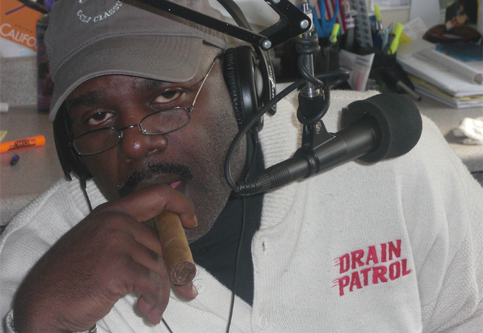 Frontis Abney On-Air KDEE 97.5
